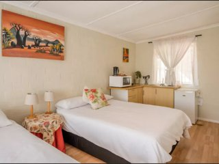 Two Oceans Guesthouse- Protea Room
