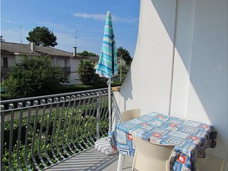 Beautiful Apartment in Villa - Airco - Washing Machine - Parking - Beach Place