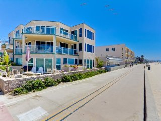 Rockaway Ocean Front Retreat I - Mission Beach, La Jolla