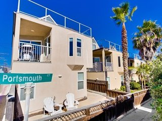 Nautical Beach House - Mission Beach Vacation Home, La Jolla