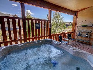 Near Resorts-Private Hot Tub-Beautifully Furnished -Great Space! (BHV5610)