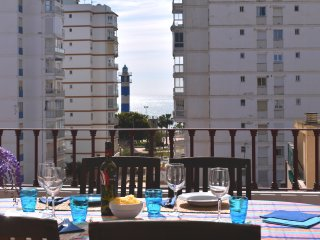 Magnifico  atico en la playa, Aire, Wifi, parking, piscina…