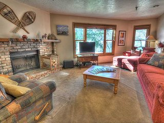 Wood Burning Fireplace -Walk to Main St.! Free Shuttle Route! Amazing Location