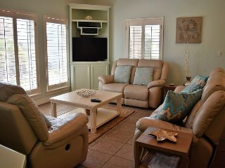 645SL; 4 Bedroom 4 Bath 3 Story House. Sleeps 12, Port Aransas