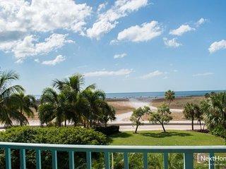 South Beach 308| Vibrant beachfront condo with panoramic views, Treasure Island