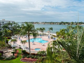 Bahia Vista | Lovely condo with water views