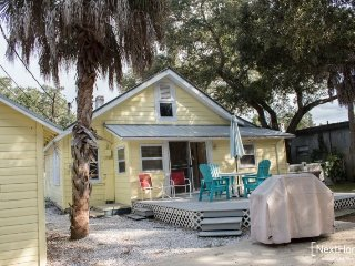 Gulfport Cottage | Charming cottage in Downtown Gulfport