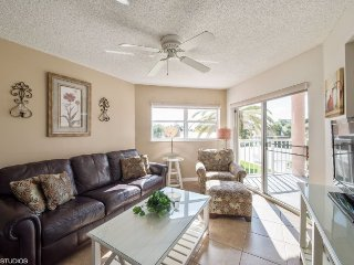 Sunrise Resort #209 | Attractive condo with pool and amazing balcony views, Saint Pete Beach
