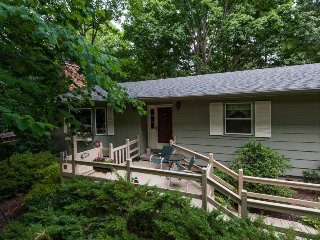 The WeeWood. Peaceful Woodland Retreat, South Haven