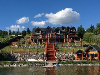 Amazing Log Home On Beautiful Lake, Lac La Hache