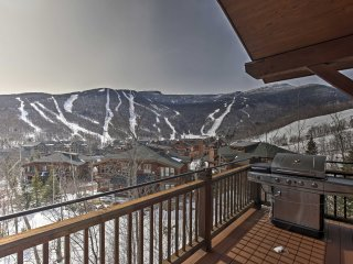 NEW! 4BR Stowe Cabin w/ Stunning Mountain Views!