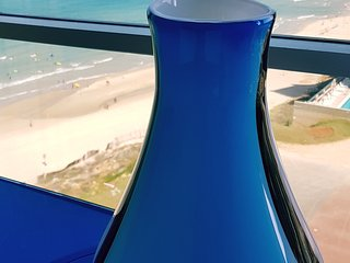 SEA VIEW APARTMENT  IN 5 STAR HOTEL, Herzliya
