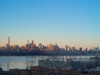 Spectacular Stay in NYC Skyline Condo, Edgewater