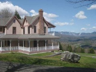Attention Families: Perfect Weekend Getaway House! Breathtaking Views and, Stowe