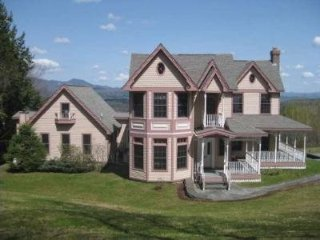 Attention Families: Perfect Weekend Getaway House! Breathtaking Views and