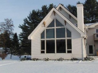 Large, luxury home with magnificent Mt. Mansfield views! 3,000+ sq.ft with ping, Stowe