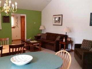 Stowe Village Condo - Bring the kids to this cozy 1BR in Downtown Stowe!