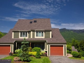Luxury Topnotch Overlook Resort Home with Mt. Mansfield views! Sleeps 8 with