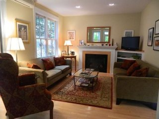 Charming 3 Bed 3.5 Bath Townhouse in Stowe Village. Enjoy Many great restaurants