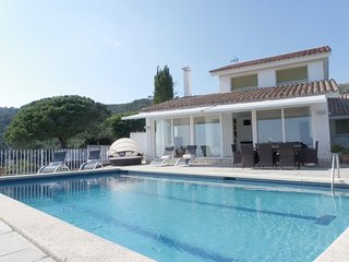 VILLA WITH POOL AND STUNNING SEA VIEWS ref OLIVA, Tossa de Mar