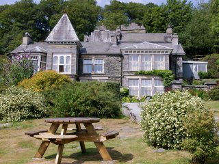 LLH24 Apartment in Near and Fa, Far Sawrey