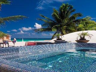 Villa del Mar - Beach Hacienda walking distance to 5th Ave in Playa del Carmen!