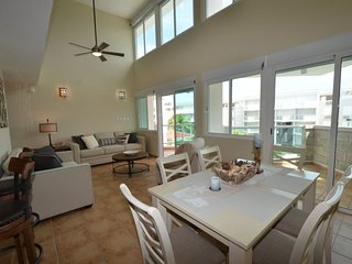 Stunning 3 Bedroom Condo at Bosque del Mar Steps to the Beach, Luquillo