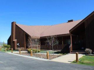 Aspenwood 4321 is a vacation condo surrounded by mountain views in the Pagosa