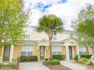 Tropical Breeze - Windsor Hills Townhome with splashpool, very close to main clubhouse area!.