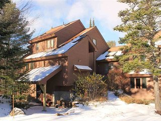Pet Friendly Ski Vacation Condo in Waterville Valley Resort, Waterville vale