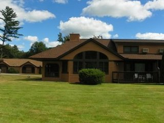 Golf and Ski Vacation Rental close to Loon and Cannon Ski Resorts with indoor