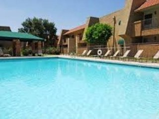 PRIME OLD TOWN SCOTTSDALE APARTMENT W/ POOL VIEW