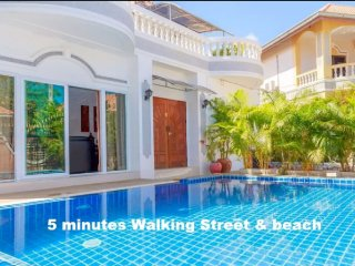 Villa 6 Bedroom 5 minutes Walking Street & beach