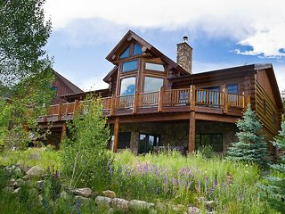 Stunning 5 Bedroom Custom Log Home steps away from Frisco`s Reserve!, Dillon
