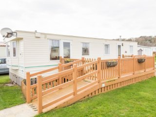 Ref 40093 North Denes Holiday Park, 3 Bed 6 Berth with Decking.