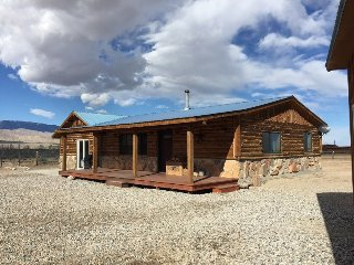 Yellowstone Country Cabin
