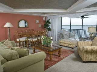 Bay View Tower - 333, Fort Myers