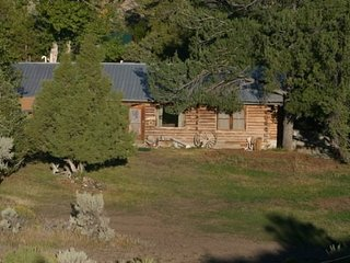 Historic Creek Side Cabins, Cody