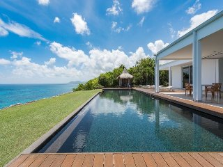 Truffle Oceanfront Villa