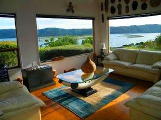 BEST OCEANVIEW KING BEDROOM IN PARADISE, KNYSNA, Knysna