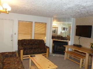 Wolf Lodge condo in Eden near Powder Mountain & Snowbasin