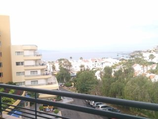 Self Catering 1 Bedroom apartment with Sea Views