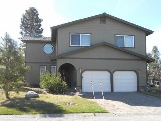 2196I-Fantastic Tahoe Keys home, a few blocks to the lake with hot tub, boat, South Lake Tahoe