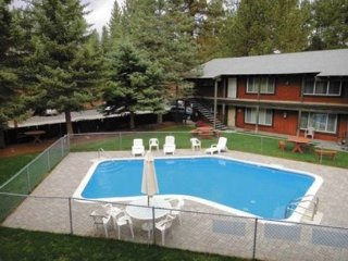 3604T-Quiet condo complex with a summer pool, walk to restaurants, half block, South Lake Tahoe