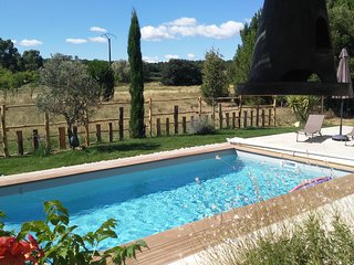Le Citronnier, Near Uzes, Sleeps 8, Heated Pool,Beautiful country views
