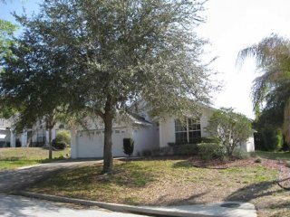 Enjoy the comforts of this affordable 3 bedroom vacation home with pool near, Davenport