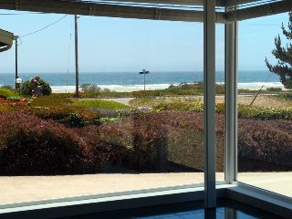 Awesome Ocean Views! 1/2 Block to Beach! Very Comfortable Home!