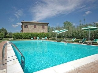 5 bedroom Apartment in San Gimignano, Tuscany, Italy : ref 1500002
