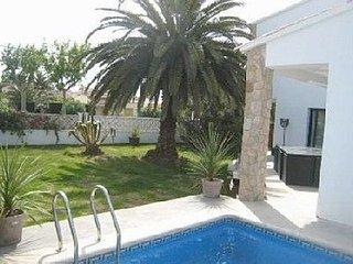 villa pour 8 personnes avec piscine et internet illimite