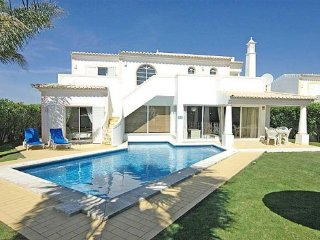 3 bedroom Villa in Vale De Parra, Albufeira, Central Algarve, Portugal : ref